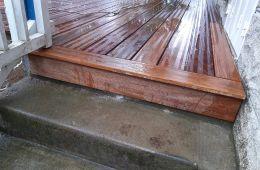 Finition de la terrasse sur l'escalier béton